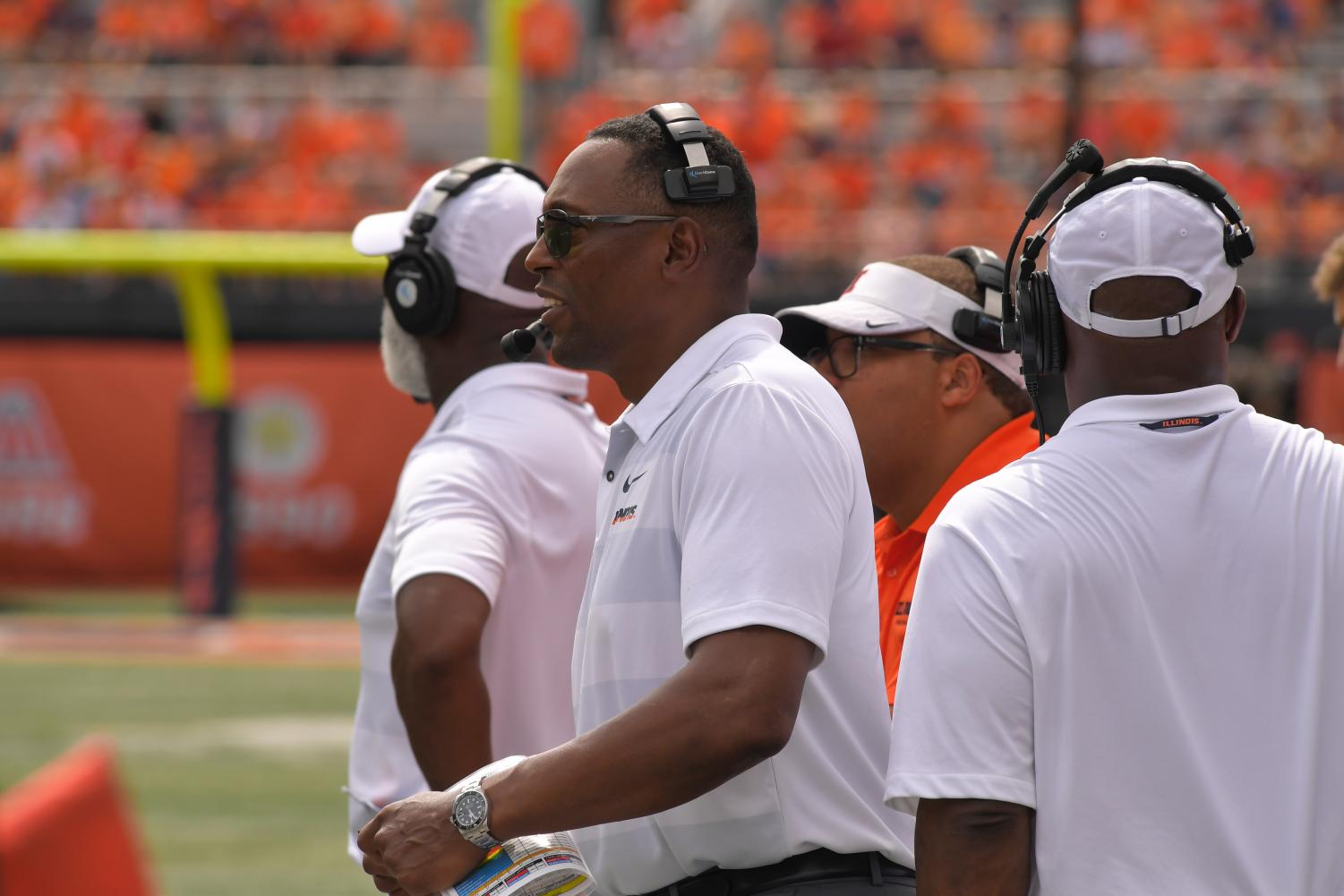 Illini defensive coordinator Hardy Nickerson on the sidelines during a game. Nickerson announced his resignation from the football program Monday.
