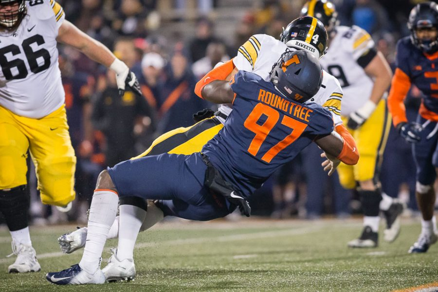 Illinois+defensive+lineman+Bobby+Roundtree+%2897%29+sacks+Iowa+quarterback+Nate+Stanley+%284%29+during+the+game+against+Iowa+at+Memorial+Stadium+on+Nov.+17%2C+2018.+Roundtree+suffered+a+major+spinal+injury+on+Monday.