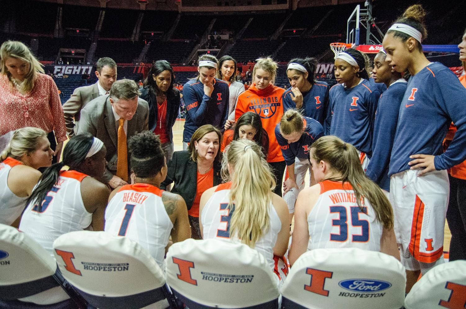 Head coach Nancy Fahey talks with her team before the start of Illinois' game against Michigan State on Jan. 16. Illinois fell to Michigan State 67-55. The Illini look to build off a season where they finished at the bottom of the Big Ten.