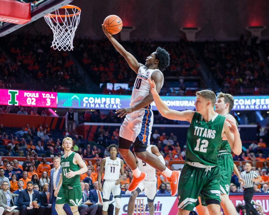 Illinois+guard+Andres+Feliz+goes+up+for+a+layup+during+the+exhibition+game+against+Illinois+Wesleyan+at+State+Farm+Center+on+Friday.+The+Illini+won+83-67.