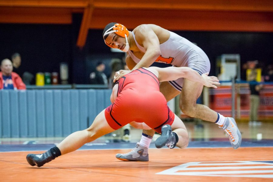 Illinois%27+Emery+Parker+wrestles+with+Maryland%27s+Niko+Capello+in+the+184+pound+weight+class+during+the+meet+at+Huff+Hall+on+Sunday%2C+Jan.+28%2C+2018.+The+Illini+won+25-18.