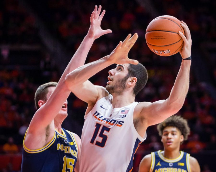 Illinois+forward+Giorgi+Bezhanishvili+looks+to+shoot+the+ball+during+the+game+against+Michigan+at+the+State+Farm+Center+on+Thursday.+The+Illini+lost+79-69.