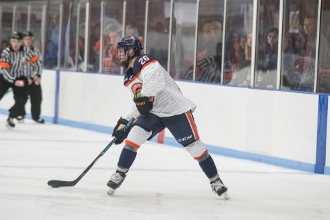 Illinois allows late-game goals, drops two