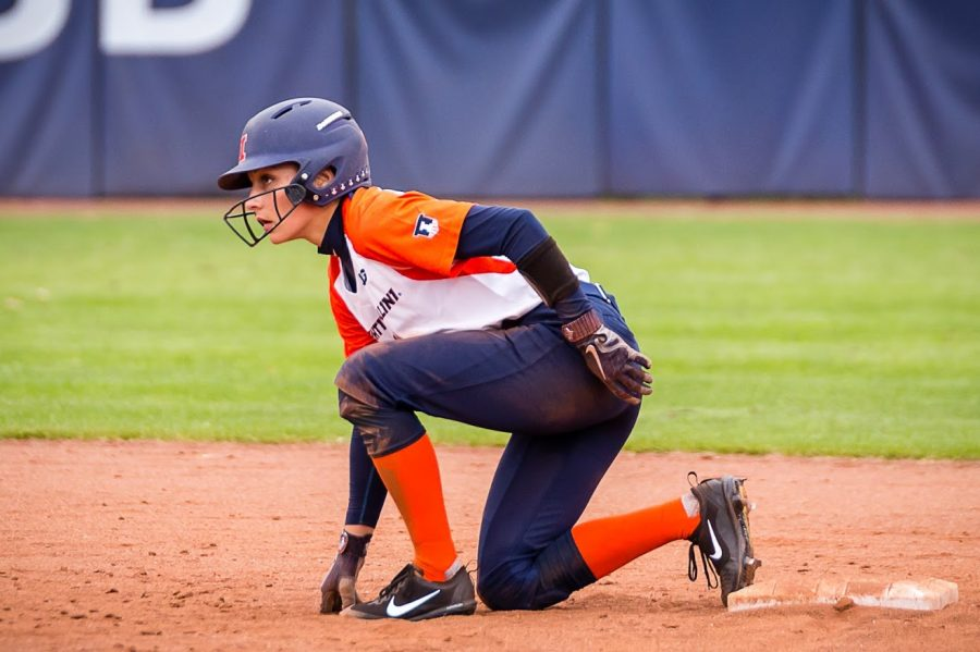 Illinois+outfielder+Kiana+Sherlund+%286%29+gets+ready+to+run+to+third+during+the+game+against+the+University+of+Wisconsin-Parkside+at+Eichelberger+Field+on+Saturday%2C+Sept.+29%2C+2018.+The+Illini+won+8-0.