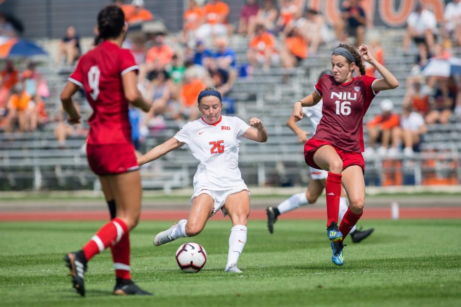Illinois+midfielder+Katie+Murray+passes+the+ball+during+the+game+against+Northern+Illinois+at+the+Illinois+Soccer+Stadium+on+Aug.+26.+The+Illini+won+8-0.