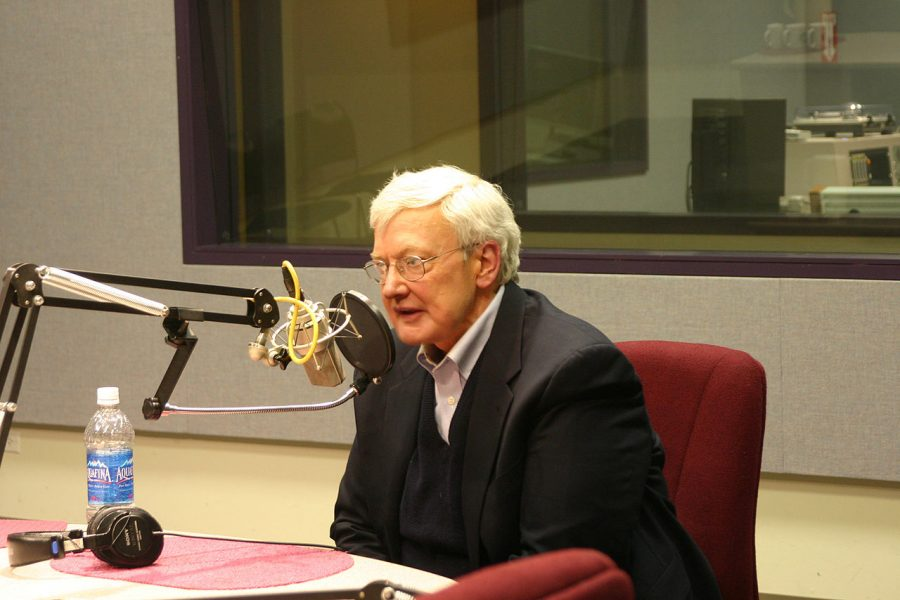 Roger+Ebert+interviews+at+a+Chicago+public+radio+station+on+Sound+Opinions+program+in+2006.