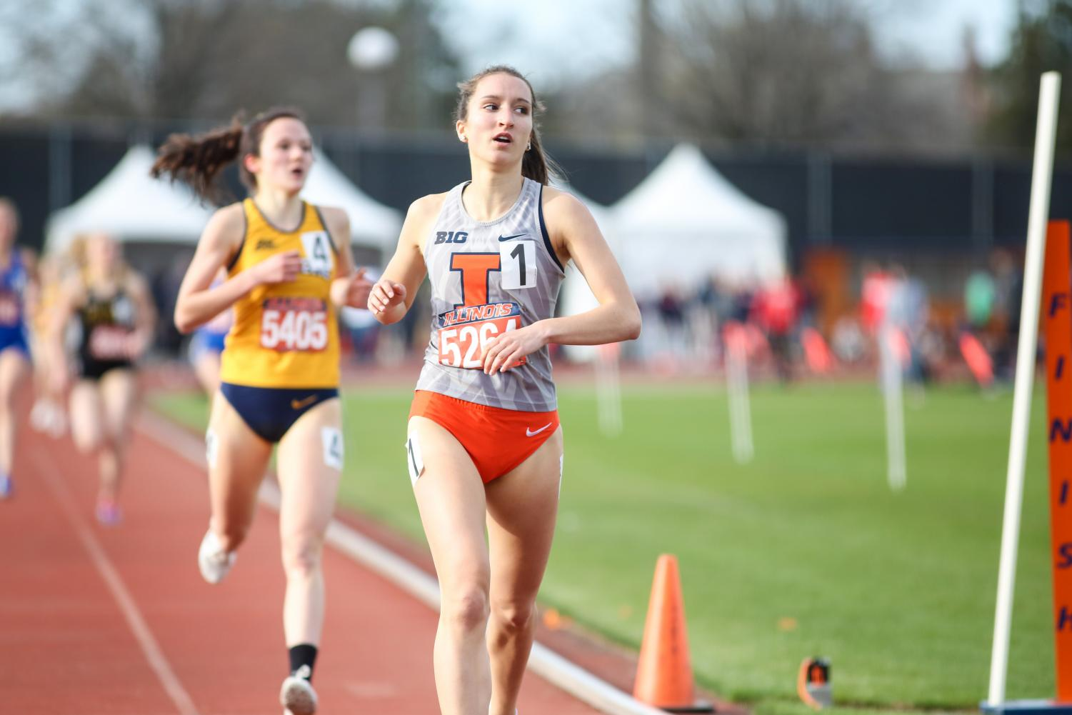 Lauren Katz runs the 1,500-meter at the Illinois Track Stadium on Saturday. Katz finished in fifth place.