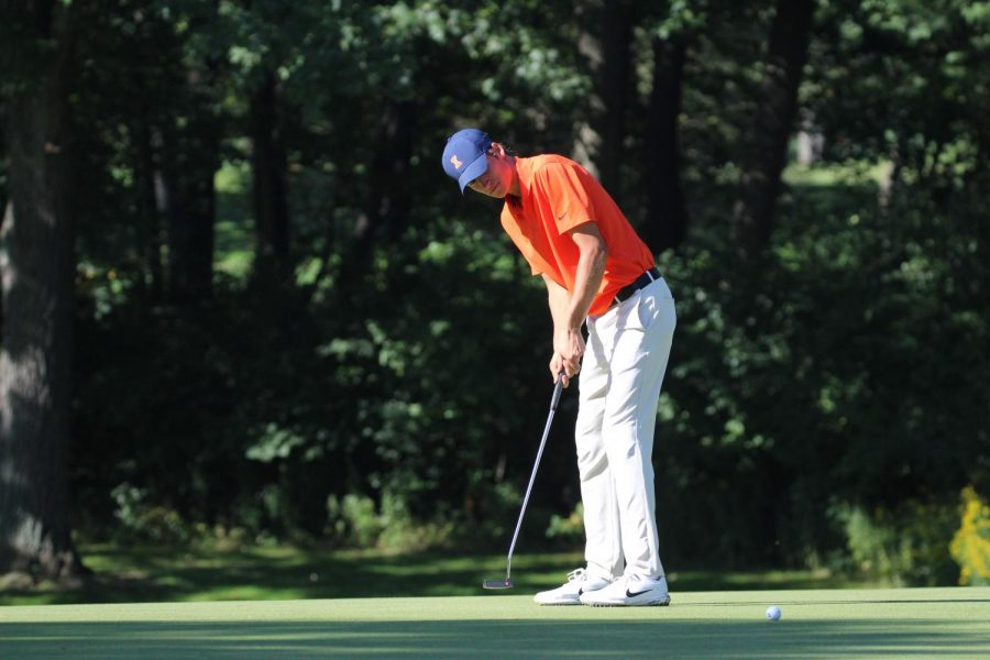 Freshman Adrien Dumont de Chassart puts at the Olympia Field Country Club/Fighting Illini Invitational at Olympia Fields on Sept. 16, 2018. Dumont de Chassart tied for first as an individual at the Big Ten Championships Sunday. Photo courtesy of Illini Athletics.