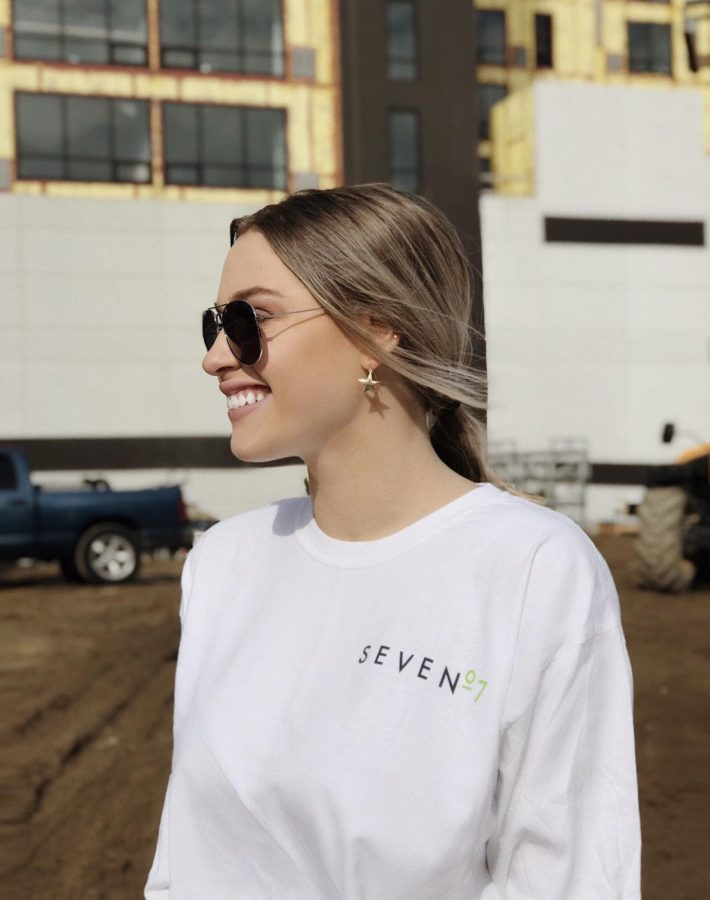 Jessica+Gosswein+during+the+Seven+07+Campaign+at+Seven+07%27s+leasing+office.+