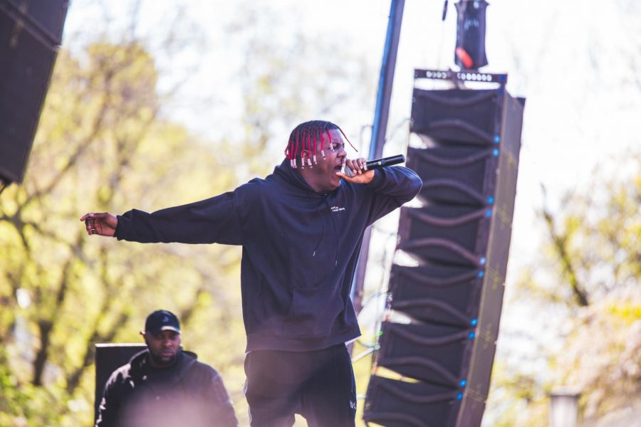 Lil+Yachty+gets+the+crowd+riled+up+at+Spring+Jam+on+the+Main+Quad+on+Sunday