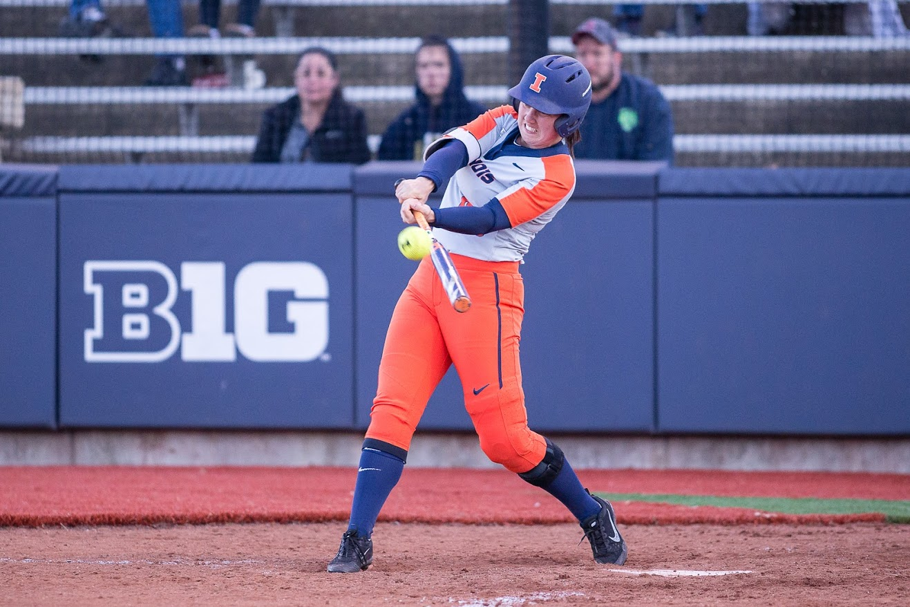 Illinois pinch hitter Veronica Ruelius (00) hits the ball during the game against Eastern Illinois at Eichelberger Field on Tuesday, March 26, 2019. The Illini won 8-7 in 8 innings.