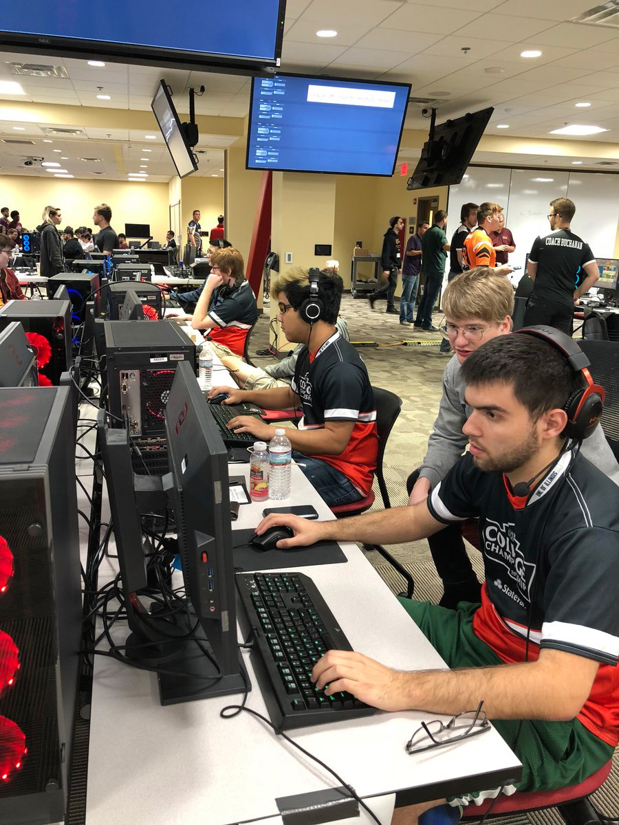 The Illini esports League of Legends team competes at Huefest at Harrisburg University on Sept. 21.
