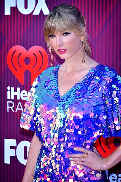 Swift's 'Lover' proves she's still on top | The Daily Illini