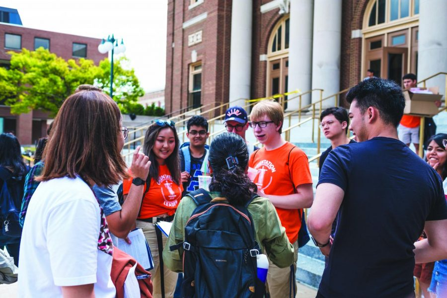 Freshmen and orientation leaders gather outside of Foellinger Auditorium  on Aug. 22, 2019. Current University students discuss what they hope to achieve by graduation while alumni reminisce on what they most enjoyed during their time on campus.