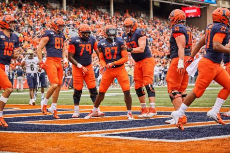 Illinois football struggles through another season