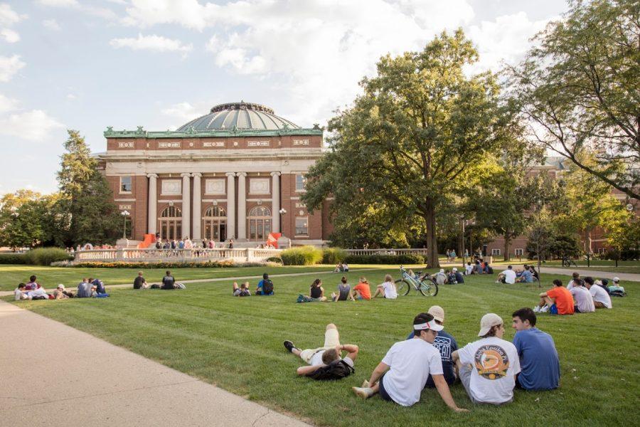 Students rest and chat on the quad on Sept. 17, 2018.
