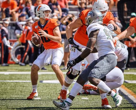 Illini drop nail biter against Eagles