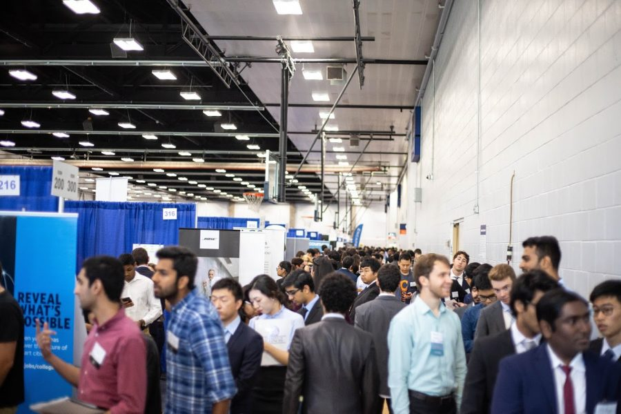 Thousands+of+students+packed+the+ARC+at+the+Engineering+career+fair+on+Sept.+11%2C+2018.