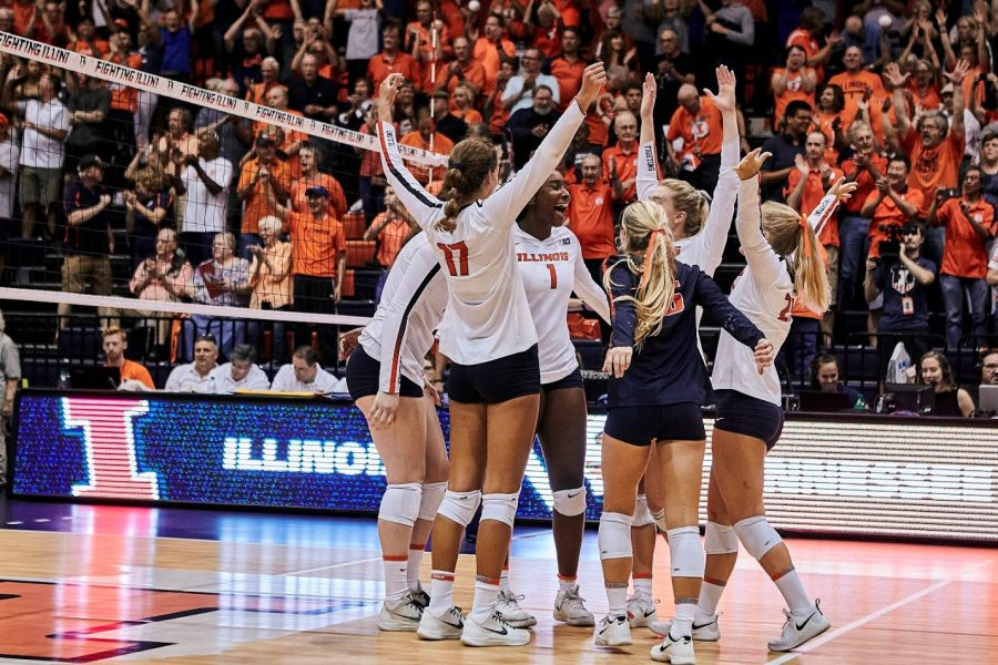 The+Illini+celebrate+at+Huff+Hall+on+Sunday+after+scoring+a+point.
