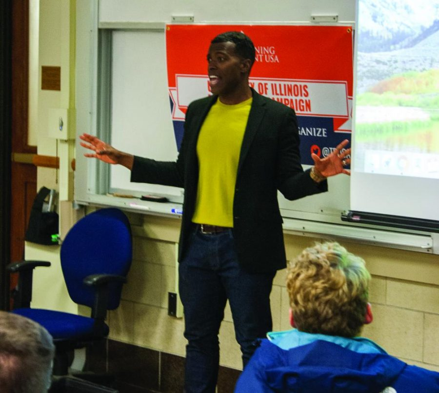 Rob Smith gives a speech about his journey from Democrat to Republican in Gregory Hall on Oct. 16. Columnist Joe advises people to approach trolls and clickbaiters with apathy instead of engaging them.