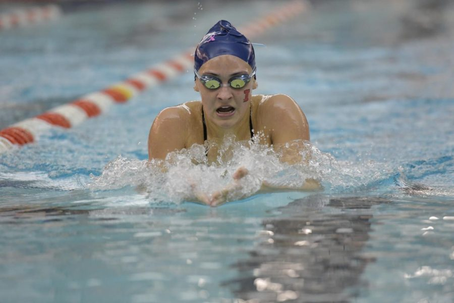Sarah+Cano+swims+at+the+ARC+Pool+against+Illinois+State+on+Thursday.+The+Illini+finished+the+weekend+with+a+4-1-1+record.
