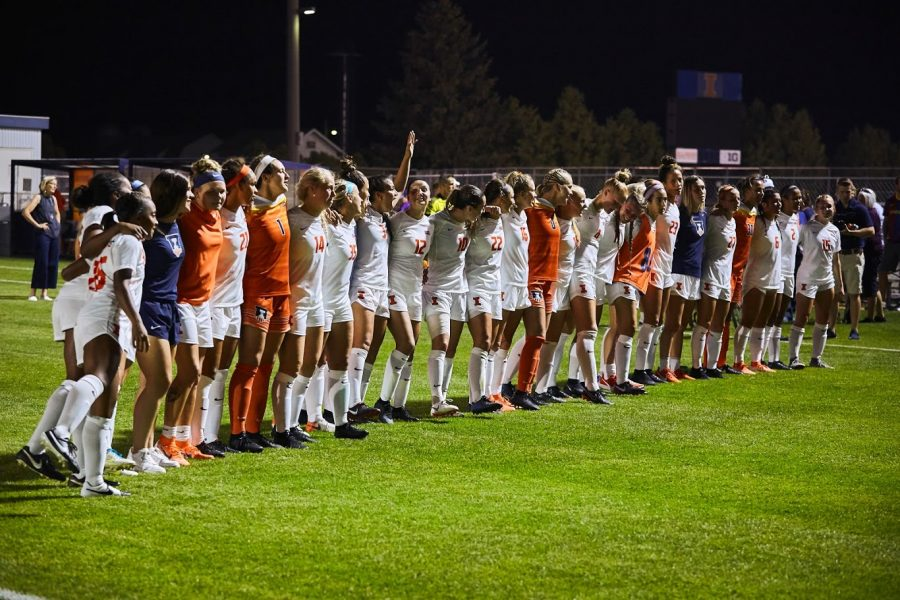 The+Illini+Soccer+team+gathered+together+on+Sep.+20+on+the+soccer+field+vs+Northwestern.