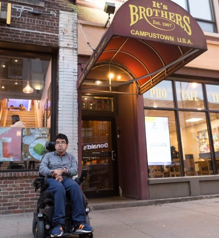 UI professor, students work on website that assesses restaurant accessibility