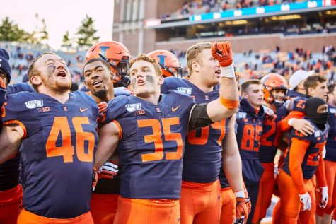 Illinois moves one game closer to bowl berth after blowout of Rutgers