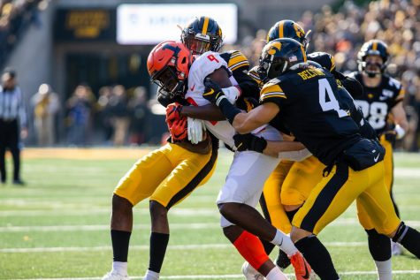 Iowa snaps Illinois' four-game win streak