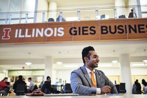 Manu Edakara, Associate Director of Entrepreneurial Communities for the Gies College of Business, speaks about his personal experiences as the leader of iVenture Accelerator at the BIF atrium on Monday. He earned the Forbes 30 Under 30 honor.
