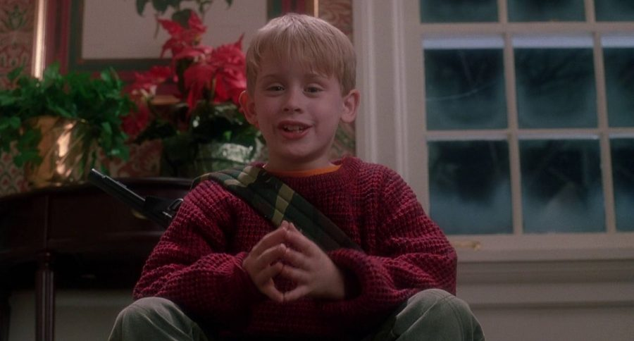 Macaulay+Culkin+plays+Kevin+McCallister+in+Home+Alone.%0A
