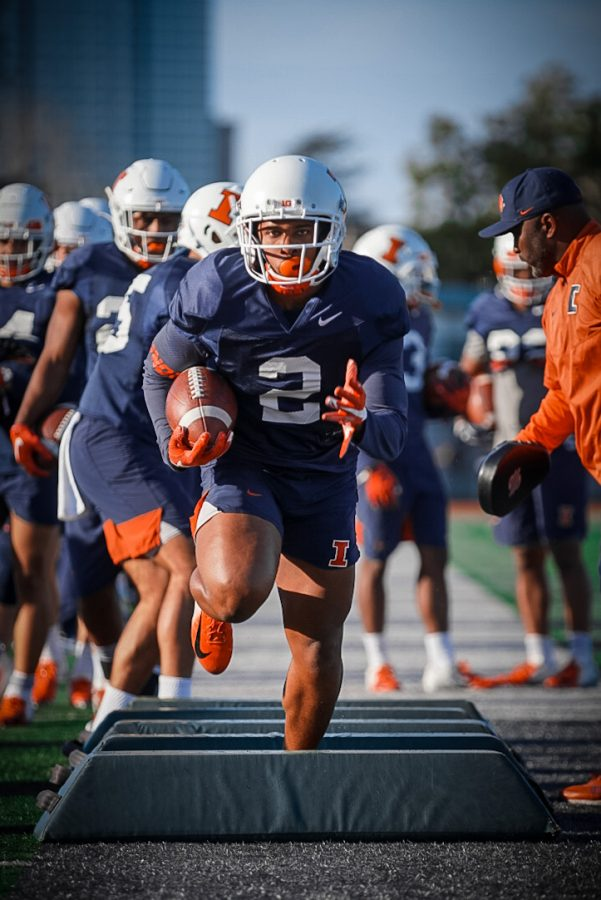 Senior+Reggie+Corbin+completes+a+drill+during+Illinois%27+practice+at+Laney+College+in+Oakland%2C+Calif.+on+Dec.+28.+Photo+courtesy+of+Illinois+Athletics.+