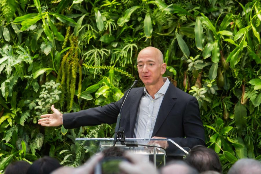 Jeff+Bezos+speaks+at+the+Amazon+Spheres+Grand+Opening+in+Seattle+on+Jan.+28%2C+2018.+Columnist+Abril+believes+billionaires+like+Bezos%2C+who+earns+more+than+%241.5+billion+per+week+according+to+Business+Insider%2C+shouldn%E2%80%99t+exist+in+today%E2%80%99s+poverty-filled+society.