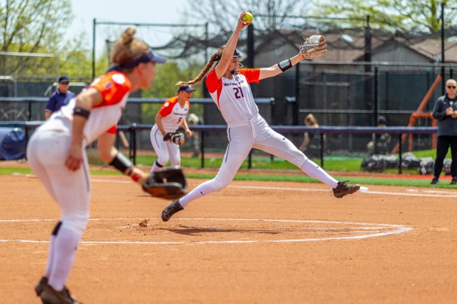 Freshman pitcher Sydney Sickels pitches during Illinois' game against Purdue on May 5 at Eichelberger Field. Illinois is set to open their season early February with several new players.