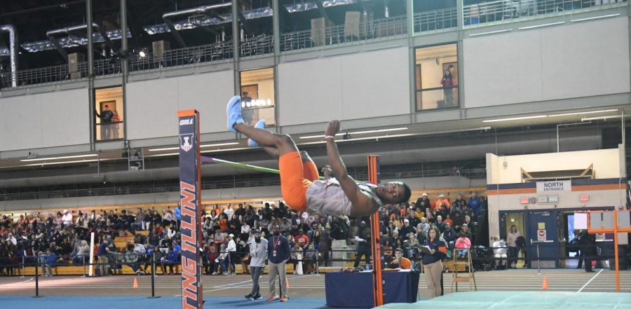 High+jumper+Jonathan+Wells+clears+the+bar+during+the+Illini+Invitational+on+Saturday+at+the+Armory.+Wells+won+the+high+jump+title+at+the+meet.