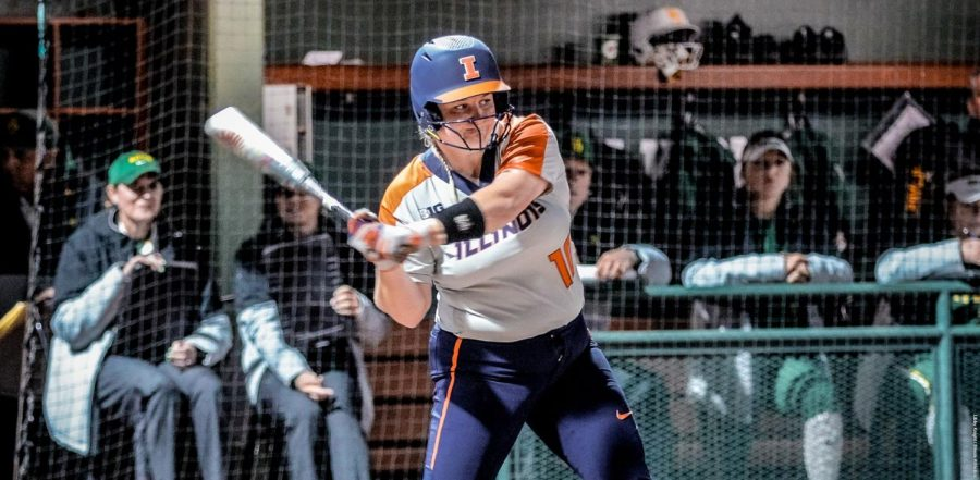 Junior catcher Shelby Stauffenberg bats during the Illinois' game against California State University, Fullerton at Fullerton, California, on Saturday. Illinois heads to Louisville, Kentucky, to compete against Louisville Friday.