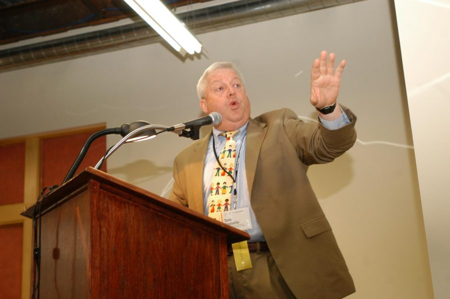 Tom Costello speaking at the Illini Media Hall of Fame brunch on Sunday, September 17, 2006.