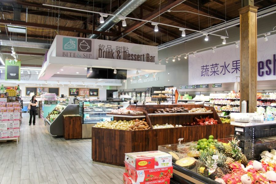 The+Fresh+International+Market%2C+located+on+Neil+Street%2C+offers+many+specialty+goods.