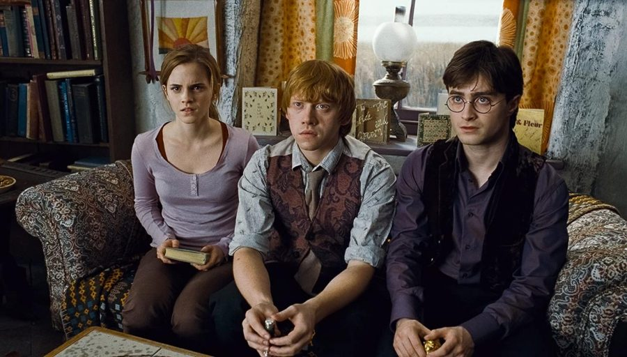 Emma+Watson%2C+Rupert+Grint+and+Daniel+Radcliffe+star+in+%E2%80%9CHarry+Potter+and+the+Deathly+Hallows%3A+Part+1%2C%E2%80%9D+released+on+Nov.+19%2C+2010.+Columnist+Marykate+contends+the+Harry+Potter+series+is+seeing+a+revival+over+TikTok%2C+reinvigorating+its+fanbase.