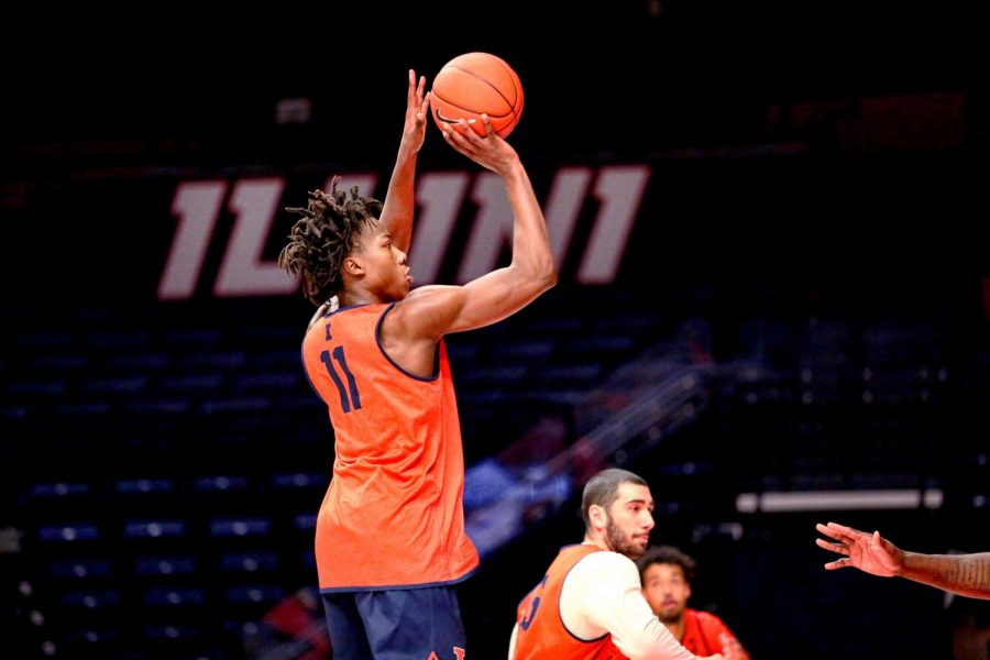 Junior+Ayo+Dosunmu+shoots+the+ball+during+practice+at+State+Farm+Center+on+Nov.+12.+Dosunmu+was+named+a+first-team+pre-season+AP+All-American.
