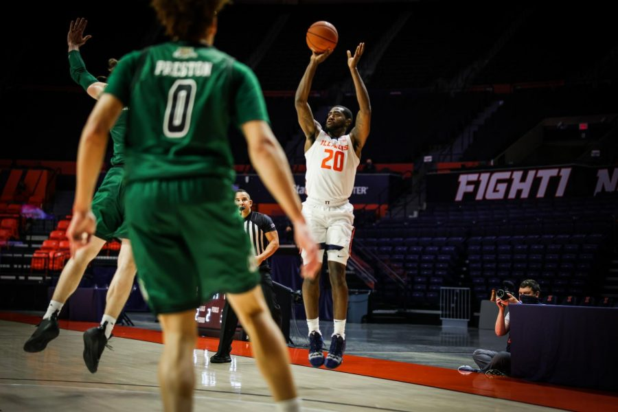 Da'Monte Williams shoots a three-pointer in Illinois' game against Ohio on Friday. Williams has proved his offensive ability, making six three-pointers through three games.
