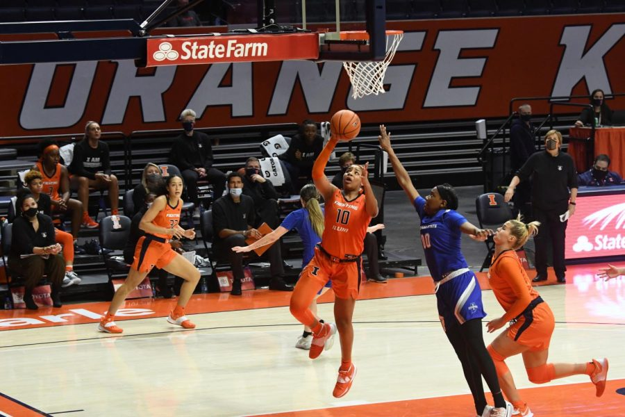 Sophomore Jeanae Terry goes for a layup during the game against Indiana State on Nov. 25.