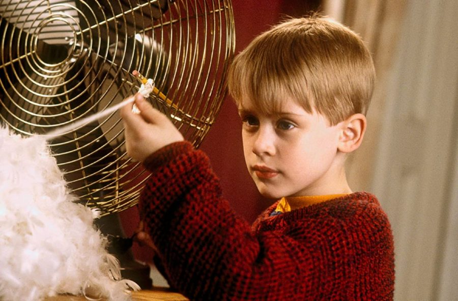 Macaulay+Culkin+stars+in+%22Home+Alone.%22+The+film+is+a+Christmas+classic+that+would+work+well+in+a+family+movie+marathon.