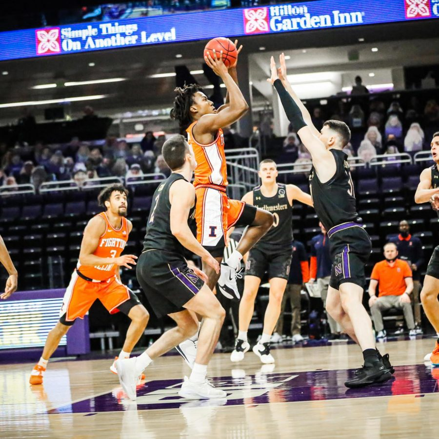 Ayo+Dosunmu+shoots+a+jumper+in+Illinois%27+game+against+Northwestern+on+Thursday+night.+The+Illini+won+81-56.