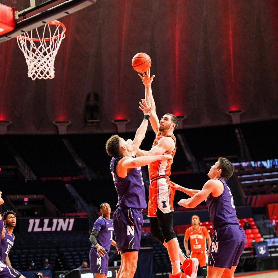 Giorgi+Bezhanishvili+puts+up+a+shot+in+Illinois%27+game+against+Northwestern+Tuesday+night.+The+Illini+won+73-66.