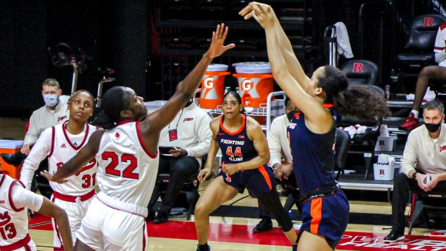 Freshman Aaliyah Nye shoots the ball in the game against Rutgers on Feb. 20. The Illini lost 75-46.