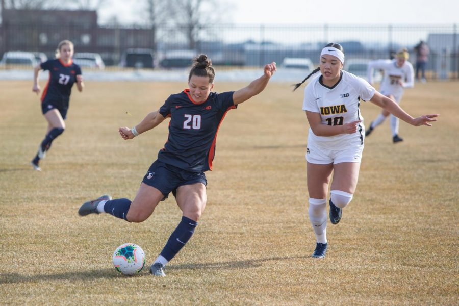 Junior Makena Silber begins to kick at a game against Iowa on Feb. 26. The Illinois women's soccer team fell short on senior day and lost to Ohio State 2-1 on Sunday.