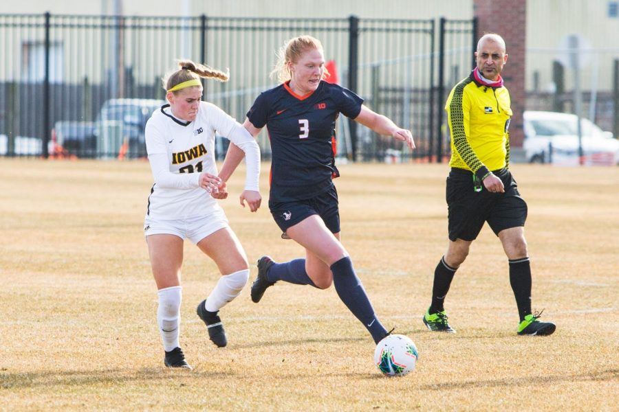 Eileen Murphy runs past Iowa's defense on Feb. 25 at Demirjian Park. Murphy ended the Fighting Illini's scoring drought today against the Indiana Hoosiers by scoring the game winning goal.