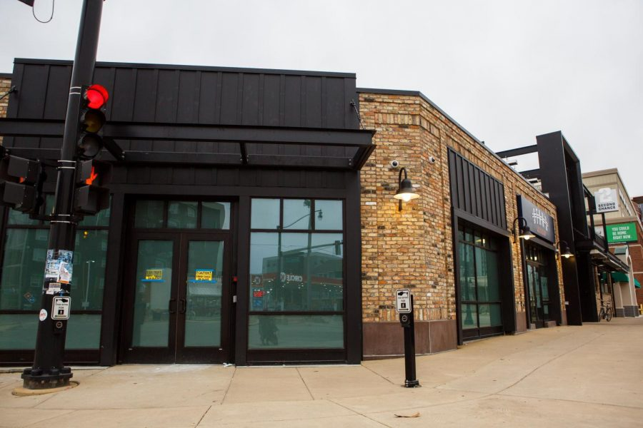 The+soon+to+be+NuEra+dispensary+lies+at+the+corner+of+First+and+Green+on+Sunday+morning.+Having+a+recreational+marijuana+dispensary+in+Campustown+will+help+increase+foot+traffic.
