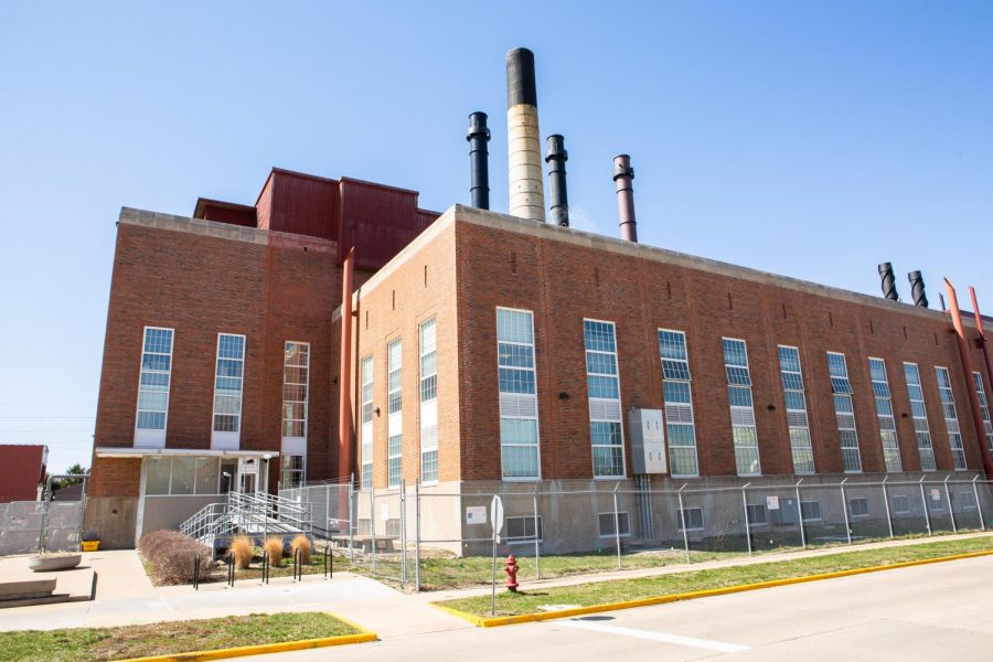 The Abbott Power Plant stands at 1117 S. Oak St. in Champaign on Saturday. The University plans to reduce energy usage by converting to renewable energy sources.